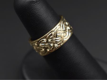 engraved-celtic-ring